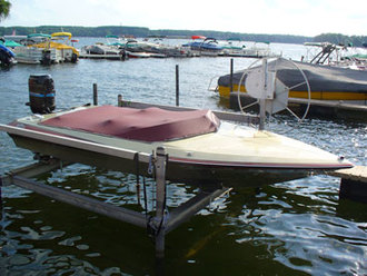 Ski Boat at pine lake marina