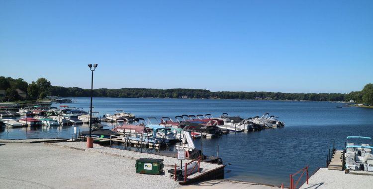 Overview shot of Pine Lake Marina boat docks
