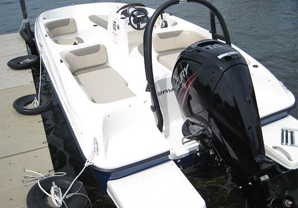 Ski Boat ready to load at Pine Lake Marina
